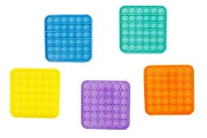 Teddies Bubble pops Pop-it, Praskající bubliny silikon antistresová spol. hra 5 barev čtverec 12,5x12,5cm v sáčku