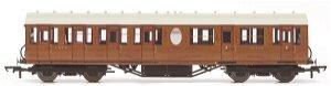 HORNBY Vagón osobní R4572A LNER Thompson Non corridor (Lavatory) Composite CoachTeak